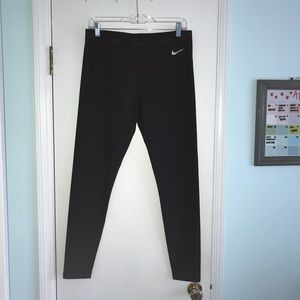 Size Large Nike Leggings